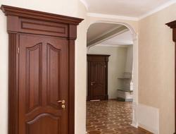 Межкомнатные двери из древесины: стиль и надежность
