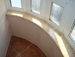 Искусственный камень в интерьере жилья: отделка, декор, подоконники из искусственного камня