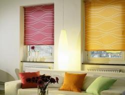 Что выбрать: жалюзи или рулонные шторы?