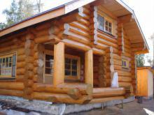 Дом из рубленого бревна: преимущества и недостатки