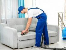 Принципиальные отличия между профессиональной и любительской чисткой мягкой мебели
